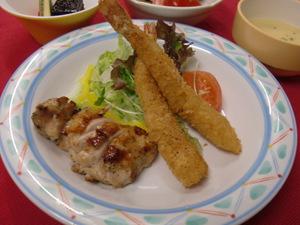 12月25日ローストチキンと海老フライ.JPG