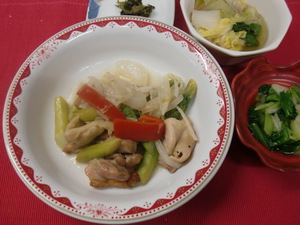 6月11日鶏肉とアスパラのレモン炒め.JPG