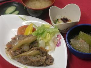 7月7日牛肉と野菜の中華ソース添え.JPG