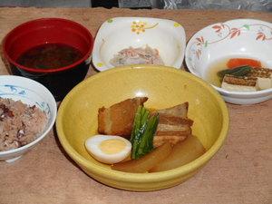12月1日 豚の角煮と大根煮.JPG