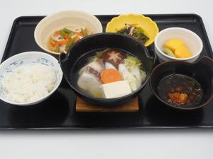 12月12日 関西風鰤と鯛の魚ちり鍋.JPG