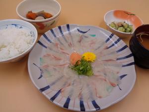 4月9日 桜鯛の薄造り.JPG