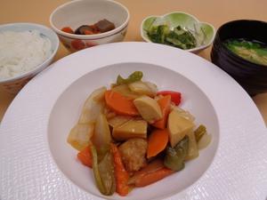 6月23日 黒酢で仕上げた柔らか酢豚.JPG