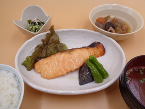7月14日 紅鮭の西京焼き.JPG