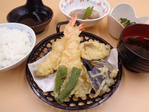7月26日 海老・キス・野菜の天ぷら盛り合わせ.JPG