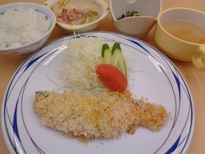 7月8日 サーモンの香草パン粉焼き.JPG