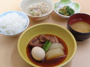 11月20日 豚の角煮と大根煮.JPG