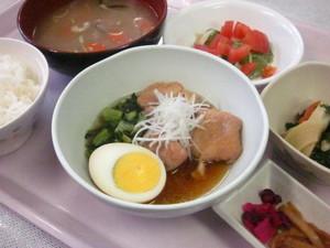 4月25日夕食(ブログ).jpg