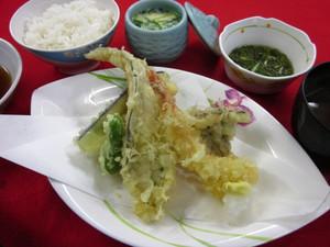10月13日夕食(特別食).JPG