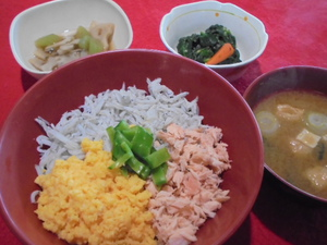 30年3月10日昼食.JPG